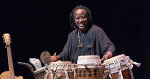 souleymane-percussions-sabars-djembe