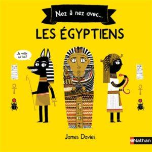 Nez à nez avec les Egyptiens de James Davies chez Nathan à 12.90€
